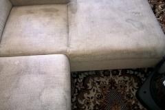 silně znečištěná sedačka